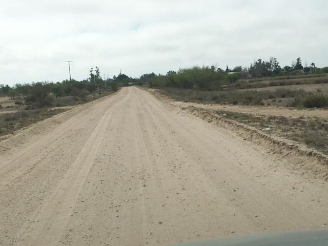 01.- Ayuntamiento de Comondú trabaja en mantenimiento de caminos rurales.