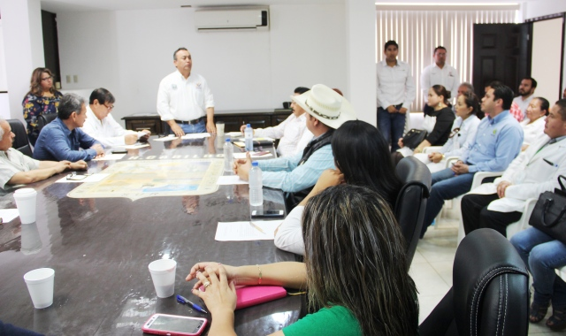 02.- Al instalar Instalan Consejo Municipal de Prevención Social de la violencia y delincuencia, alcalde Francisco Pelayo dice que trabajando juntos es posible recuperar la tranqulidad