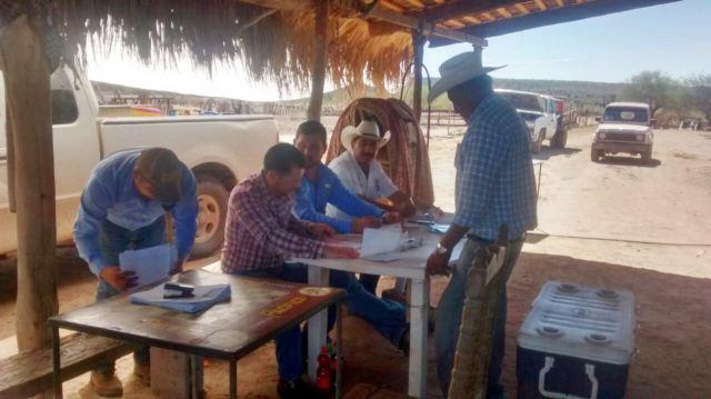 02-ayuntamiento-de-comondu-acerca-servicios-de-siniiga-a-productores-de-diversas-comunidades
