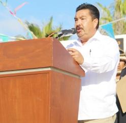 02.- Benito Juáres sigue Vigente en al actualidad en el patriotismo de los Mexicanos, afirmó regidor Rubén Rivas, durante acto cnmemorativo al natalicio de Benito Juárez.