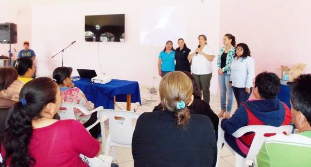 04._DIF municipal que preside Marbella Robles de Pelayo atestiguo la apertura del punto de Red de Apoyo al Emprendedor.